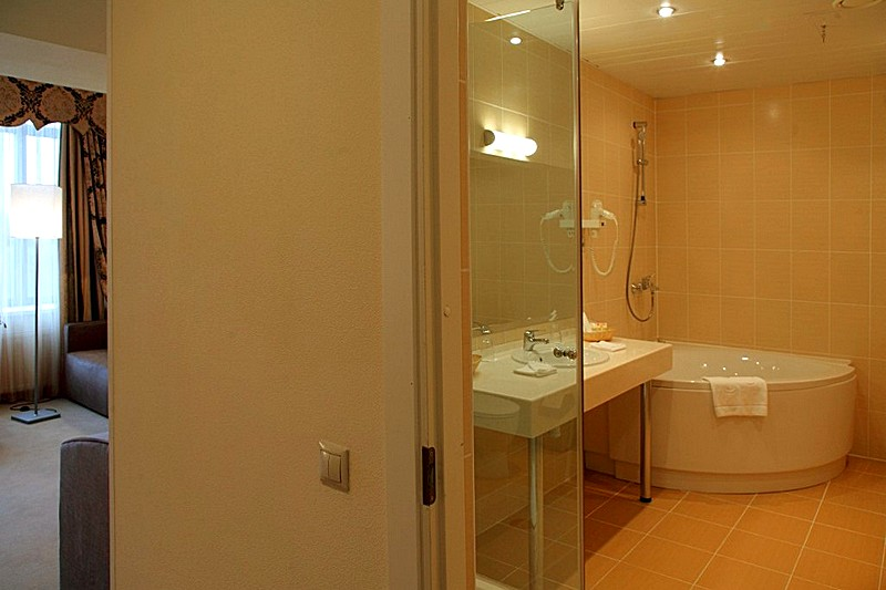 Studio Rooms At The Aquarium Hotel By Moscow 39 S Crocus Expo