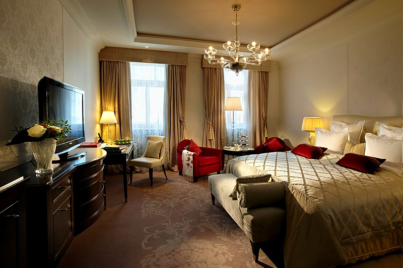 Deluxe design rooms at the hotel baltschug kempinski in moscow for Design hotel moscow