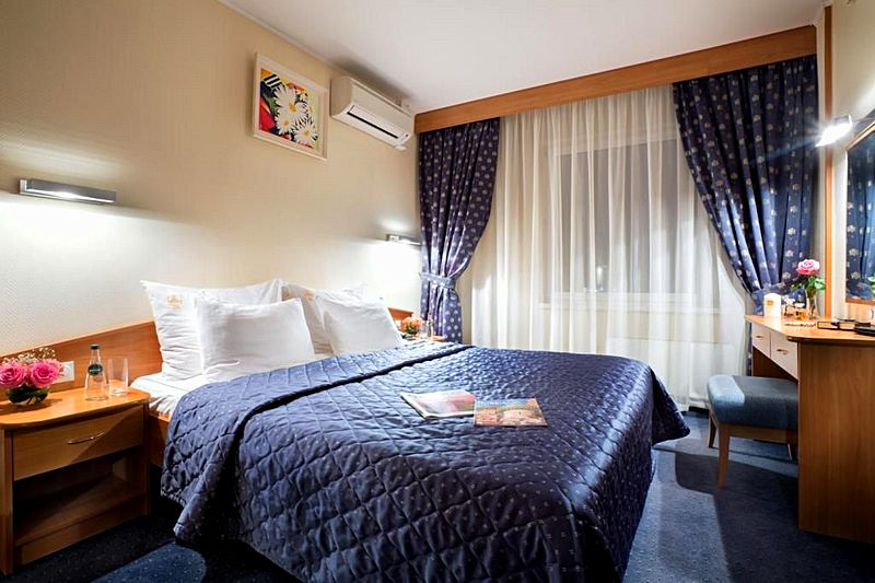 Suite Queen Accommodation At The Best Western Vega Hotel