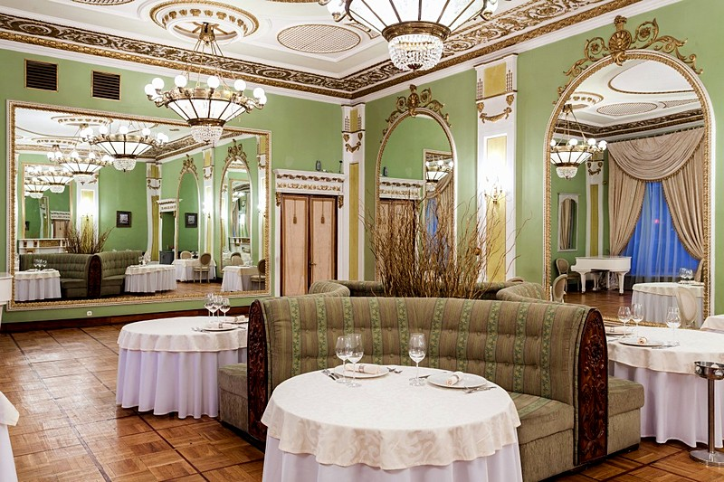 Mirror Hall at Yar Restaurant at Historical Hotel Sovietsky in Moscow, Russia