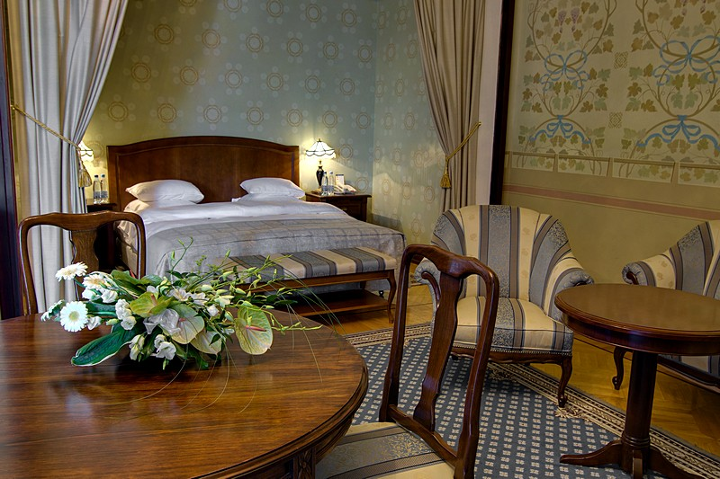 Elegant Junior Suites At The Metropol In Downtown Moscow