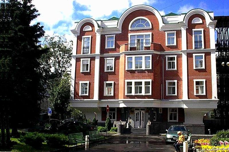 Small 3-star Hotel